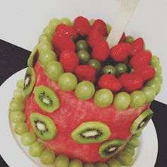 Can we just show some appreciation for this cake     #watermelon #fruit #cake…