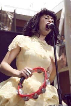 Kimbra wearing a beautiful buttermint dress