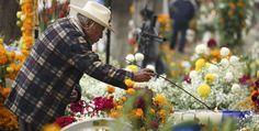 5 destinos para vivir el Día de Muertos - 5 destinations to experience the Day of the Dead.