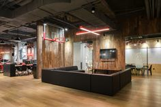 hcreates interior design created the office design for Chinese digital marketing company Mailman, located in Shanghai, China. Mailman was founded by Office Plan, Open Office, Cool Office, Office Ideas, Visual Merchandising, Agency Office, Modular Lounges, Corporate Office Design, Branding
