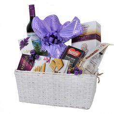 Cos Cadou Craciun cu Vin Two Oceans Gift Baskets, Picnic, Christmas, Gifts, Sympathy Gift Baskets, Xmas, Presents, Picnics, Navidad