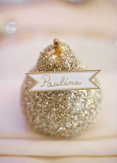 Place Card: Ready for some oohs and ahhs? Have guests find their seats with the help of twinkling place cards. Click to view these 15 Sparkling Wedding Ideas.