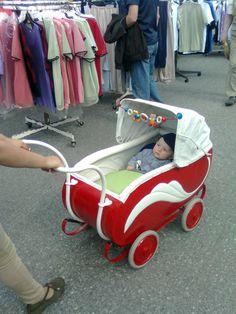 Baby Kind, Pram Stroller, Baby Strollers, Vintage Pram, Prams And Pushchairs, Baby Equipment, Dolls Prams, Baby Buggy, Nostalgia