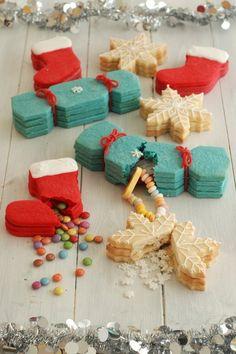 Christmas cookies with hidden presents!