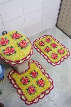 jogo de banheiro feito com decore amarelo R$ 125,00