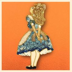 Embroidered Alice in Wonderland Characters by Tilia Embroidery Studio, фото № 1 Tambour Embroidery, Bead Embroidery Patterns, Bead Embroidery Jewelry, Hand Embroidery Designs, Beaded Embroidery, Embroidery Stitches, Beaded Jewelry, Marine Style, Alice In Wonderland Characters