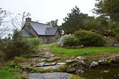 Cove Lodge in Kerry West Cork, Luxury Holidays, Renting A House, Kayaking, Ireland, Irish Eyes, Cabin, Vacation, House Styles