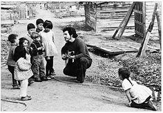 Victor Jara singing to children.