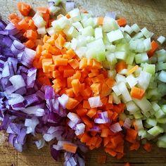 Gli aromi da soffritto in un'esplosione di colori.