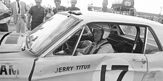 Jerry Titus in the Mustang-Racing for big boys. Trans-Am 1967 Sports Car Racing, Road Racing, Sport Cars, Race Cars, Auto Racing, Alfa Romeo Gta, Vintage Mustang, Carroll Shelby, Datsun 510