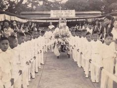 Ateneo de Manila, Feast of the Holy Guardian Angels, 1953 #kasaysayan #pinoy #classpicture Class Pictures, Guardian Angels, Pinoy, Manila, Filipino, Over The Years, Holi, Philippines, Life