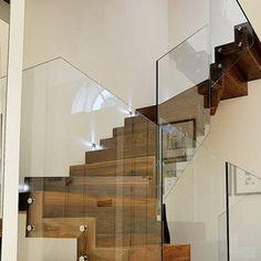 Dubbelkwart muizenboomtrap met glazen balustrade