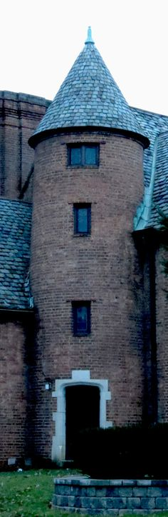 PENN STATE – turret at Fiji fraternity...my dad was a Brother here in the 50's!! Fellow Alum- yay dad!!