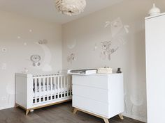 Falfestés⎟GyermekKUCKÓ Teddy Bear Nursery, Lany, Mural Art, Baby Room, Kids Room, Bed, Inspiration, Furniture, Silhouette