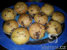 Basic yogurt muffins - can add jam/ chocolate/ (dried) fruit/nuts/coconut Yogurt Muffins, Cheesecake Cupcakes, Dried Fruit, Dessert Recipes, Desserts, Sweet Recipes, Cookies, Chocolate, Baking