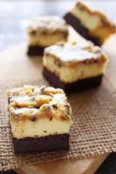 Brownie Bottom Cookie Dough Cheesecake Bars Outrageous Brownie Bottom Cookie Dough Cheesecake Bars have a layer of fudgy brownie, cheesecake filling, and a chocolate chip cookie dough topping. Cookie Dough Cheesecake, Cookie Dough Brownies, Cheesecake Brownies, Chocolate Chip Cookie Dough, Cookie Bars, Cheesecake Cupcakes, Chocolate Tarts, German Chocolate, Chocolate Cheesecake