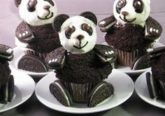 Amazing Cupcakes | Oreo panda cupcakes found on twitter by @StephanoGuerrera