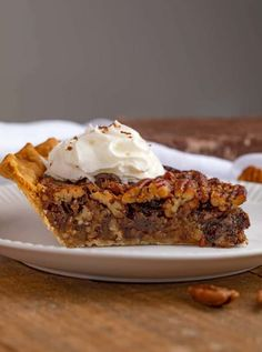 Chocolate Pecan Pie takes the Classic Pecan Pie recipe up a notch with semi-sweet chocolate chips that add a rich melted indulgent chocolate filling to your holiday pie!You'll love this Chocolate P… Thanksgiving Desserts, Holiday Desserts, Easy Desserts, Pie Recipes, Dessert Recipes, Quick Recipes, Fall Recipes, Delicious Recipes, Desert Recipes