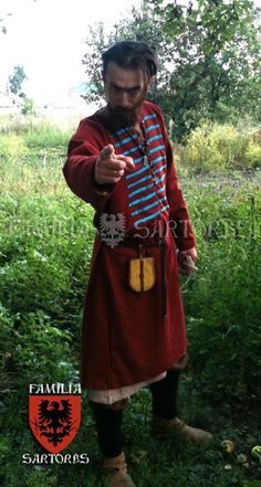 Red/blue kaftan based on findings from Birka and Gnezdovo.