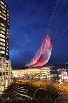 Janet Echelman apresenta sua maior escultura em Vancouver