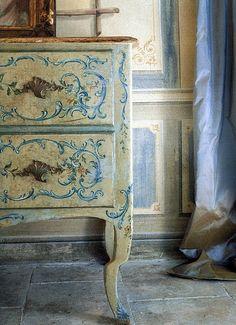 Dicas de decoração feminina e elegante: Móveis pintados com a técnica do Estêncil