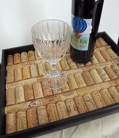 Black+Wine+Cork+Serving+Tray+par+LizzieJoeDesigns+sur+Etsy,+$40.00