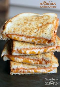 Italian Grilled Cheese Sandwiches are my favorite twist to a traditional grilled cheese sandwich They also make a great easy dinner - pizza Soup And Sandwich, Sandwich Recipes, Chicken Sandwich, Think Food, I Love Food, Comida Diy, Tacos, Food Porn, Grilled Cheese Recipes