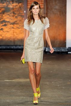 Christian Siriano makes me happy. Dress from spring 2012 collection