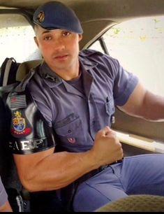 gay sex in police uniform - Bing images Cop Uniform, Police Uniforms, Men In Uniform, Hot Army Men, Sexy Military Men, Hot Cops, Hunks Men, Muscle Hunks, Muscular Men