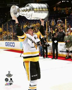 edef596f8 Jake Guentzel Pittsburgh Penguins 2017 Stanley Cup Champions Autographed x  Raising Cup Photograph - No Size