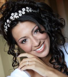 Why Worry of Not Having Flawless Skin?  Let Your Wedding Makeup Artist take Care of Your Looks