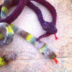 dotpebbles: snakes alive!…