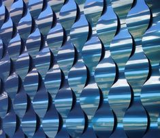 Wall Panels ALUCOBOND® Spectra use colors with high-quality fluorocarbon paint systems applied in a continuous coil-coated process to create a color-shifting. 3d Wall Panels, Metal Panels, Building Facade, Building Exterior, Alcacer Do Sal, Red Lake, Architectural Materials, Teal Walls, Wall Finishes