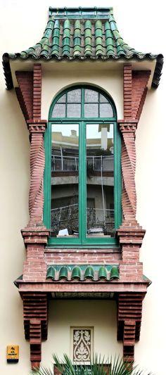 Casa Muley Afid.    Architect: Josep Puig i Cadafalch. Casa Muley Afid    Architect: Josep Puig i Cadafalch. Barcelona - Passeig Bonanova.  (por Arnim Schulz em Flickr)