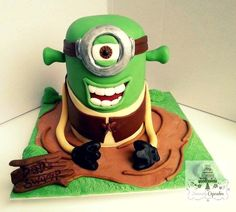 Shrek Minion - by heavencup11 @ CakesDecor.com - cake decorating website