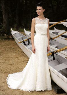 Augusta Jones's Ali gown with square neckline. #RandyToTheRescue #BrideDay #Weddings