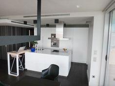 Cocina SANTOS modelo MINOS en oficinas de Architonic Barcelona.