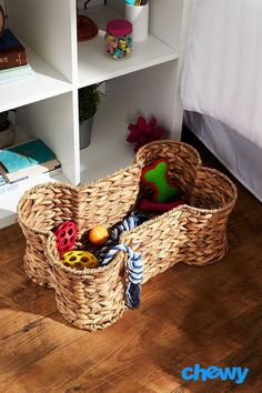 Toys and other dog and cat products can accumulate over time, which is why having storage space is important for keeping your house neat and tidy. Bone Dry's Bone-Shaped Hyacinth Storage Basket is the perfect place to keep all of your pets' goodies Toy Storage Bins, Storage Baskets, Dog Storage, Dog Toy Basket, Puppy Room, Home Decor Baskets, Dog Rooms, Pet Furniture, Cat Supplies