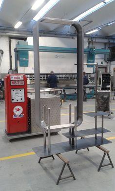 Struttura in ferro davanti, dietro carrello inox su misura con  distributore  birra Gym Equipment, Centre, Workout Equipment