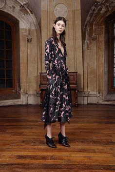 Sharon Wauchob Pre-Fall 2015 Collection Photos - Vogue