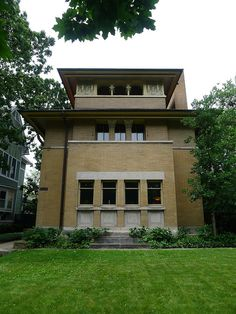 Frank Lloyd Wright Prairie Houses william martin house, 1902. oak park, illinois. early prairie
