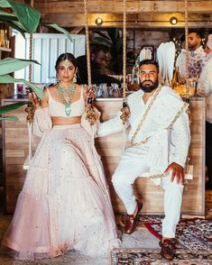 Looking to shop your bridal wear in Toronto? Then you have to check out this complete list of Toronto Lehenga Shopping brands. Engagement Outfits, Engagement Pictures, Indian Engagement Outfit, Wedding Outfits, Wedding Dress, Indian Bridesmaids, Pink Cocktails, All White Party, Modern Saree