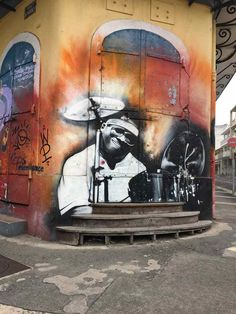 street art-pointe pitre-oeuvres-graf-tag-mural-musique-couleurs Tahiti, Pointe A Pitre, Street Art, Photo Souvenir, Great Paintings, Les Oeuvres, Islands, Caribbean, Inspiration