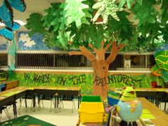 Beautiful tree in the classroom. However, the link isn't correct :(