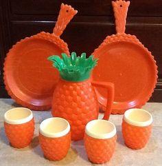 Vintage MINERWARE USA Plastic Pineapple Pitcher, Tumblers, Serving Platters Set