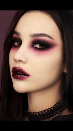 Vampire Makeup Looks, Vampire Eyes, Makeup Eye Looks, Vampire Makeup Tutorial, Scary Vampire, Demon Makeup, Scary Makeup, Glam Makeup Look, Edgy Makeup