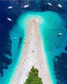 Just Awesome Places to Zlantni Rat besuchen Kroatien Dream Vacations, Vacation Spots, Tourist Spots, Places To Travel, Places To Visit, Travel Destinations, Magic Places, Croatia Travel, Dubrovnik