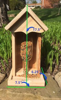 We have used and choosed Top 7 Best bird feeders for cardinals for your backyard or garden. squirrel proof bird feeders for money. Wood Bird Feeder, Best Bird Feeders, Bird Feeder Plans, Bird House Feeder, Decorative Bird Houses, Bird Houses Diy, Homemade Bird Houses, Bird House Kits, Wood Crafts
