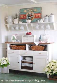 Love this Country Cottage Kitchen Sideboard Decorated for Christmas! Kitchen Sideboard, Sideboard Decor, Kitchen Redo, Kitchen Remodel, Kitchen Dining, Kitchen White, Cottage Kitchen Decor, Kitchen Interior, Cozinha Shabby Chic
