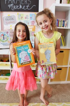 Our Favorite Elephant & Piggie Books! – At Home With Natalie #Thankorama sponsored by @disneybooks